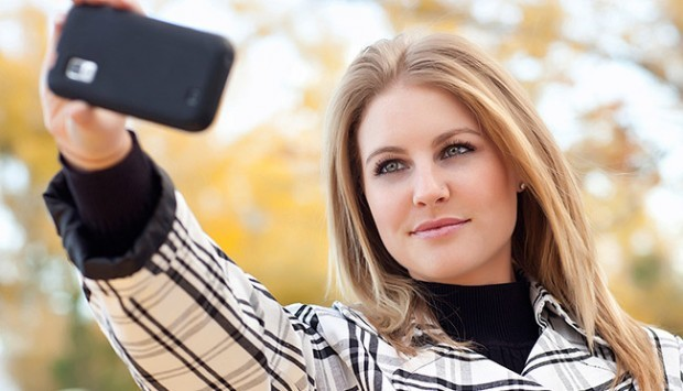 Selfies That Kill 8 Crazy Selfie Accidentsarticle Cats